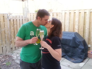 kiss with bubbly